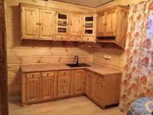 Кухня угловая из сосны в Воронеже купить